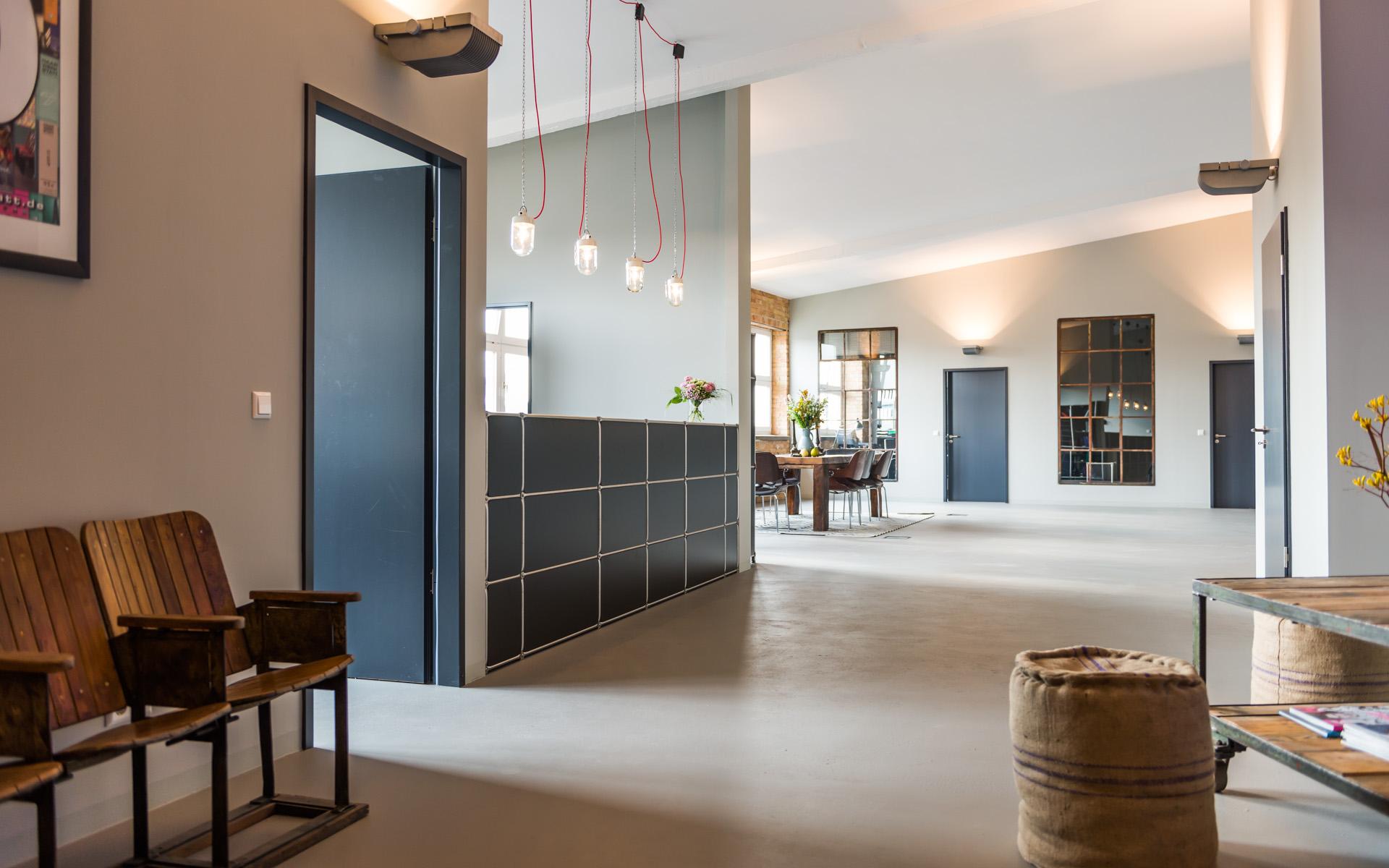 system 180 haarwerkstatt berlin. Black Bedroom Furniture Sets. Home Design Ideas